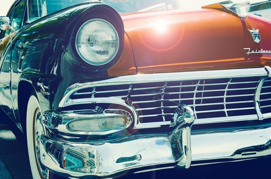 Pięknym samochodem do ślubu – wynajem samochodów